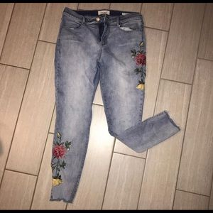 Pacsun skinny jeans (embroidered flowers)